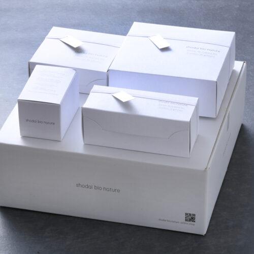 スイーツ定期便配送ボックスイメージ